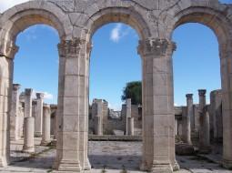 découverte sites tunisie colonnes romaines